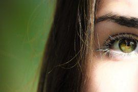 Få det bedste ud af dine øjenvipper – her er en oversigt over de bedste øjenvippe serummer på markedet